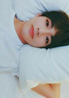Bts kim taehyung v Bts Taehyung, Bts Bangtan Boy, Namjoon, Suga Suga, Bts Jimin, Daegu, Foto Bts, Taekook, Kpop