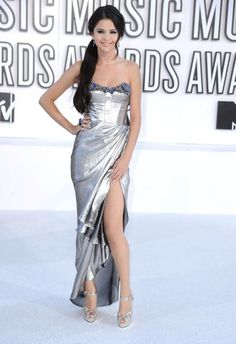 We think Selena Gomez wore one of the best dresses in VMA history. So pretty!