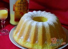 Boundt cake with eggnog (in slovak) Bábovka s vaječným likérom Czech Recipes, Ethnic Recipes, Czech Desserts, Y Recipe, Bunt Cakes, Bourbon Drinks, Home Brewing Beer, Classic Cake, Wonderful Recipe