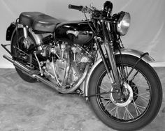 Vincent Motorcycles History | Vincent Motorcycles: A brief history and a look at the 52 Rapide.
