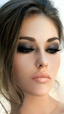 maquillaje-de-ojos-para-vestido-negro-de-noche.jpg 227×400 pixeles