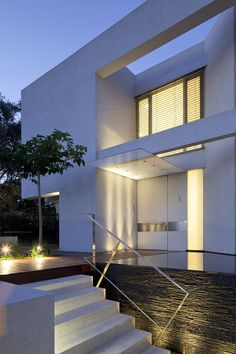 Contemporary Tel Aviv Residence With Luxurious Features: CH House