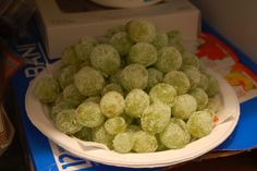 frozen grapes with jello mix that taste like sourpatch kids and are healthy!