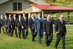 Hi ho, hi ho, there those groomsmen go!