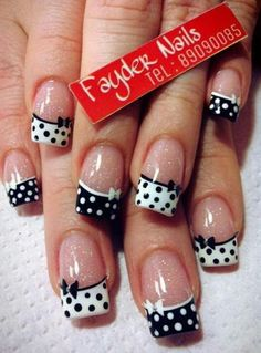 If you are a big fan of manicure, you can not miss the Essie brand. Holiday Nail Designs, Black Nail Designs, Nail Designs Spring, Holiday Nails, Nail Art Designs, Nails Design, Spring Design, Dots Design, Design Art