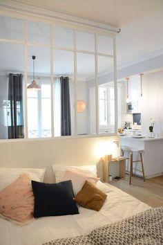 Une chambre bien pensée avec verrière