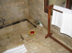 Sunken Tub Shower Combination | Almost perfect stopover - Komaneka at Monkey Forest Pictures ...