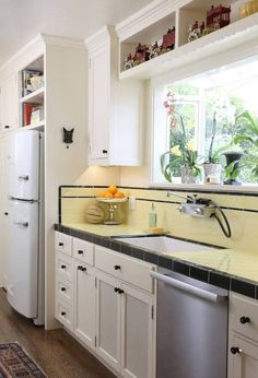 The Big Chill Original in a remodeled 1931 Spanish Revival Bungalow located on the Riviera in Santa Barbara. Like and share! 1940s Kitchen, Vintage Kitchen Decor, Kitchen Sets, New Kitchen, Kitchen Storage, Garage Storage, Storage Cabinets, Awesome Kitchen, Kitchen Floor