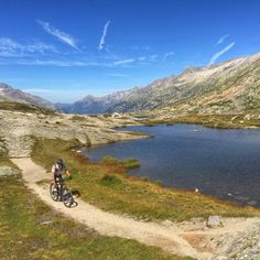Nice trail around the lake at Grimsel pass.  Welcome to the #bike #riders #lodge and #hostel in #andermatt, #swiss #Alps  www.basecamp-andermatt.com  #roadbike, #passes, #mountain, #biking, #alpine,  #switchback,  #cervelo, #passroads, #gotthard, #furka, #grimsel, #susten, #nufenen, #tremola, #airolo, #disentis, #rhone #mtb, #mountainbike, #freeride, #enduro, #singletrail, #alps