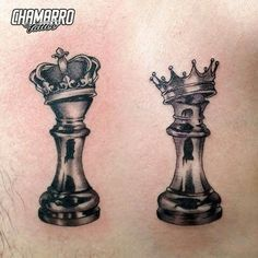 queen and king chess piece tattoos Chess Piece Tattoo, Pieces Tattoo, Neue Tattoos, Body Art Tattoos, Sleeve Tattoos, Partner Tattoos, Relationship Tattoos, Tattoo Casal, King Queen Tattoo