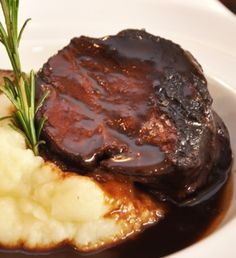 Spanish Cuisine, Food Festival, Flan, Food To Make, Catering, Food And Drink, Cooking Recipes, Yummy Food, Beef