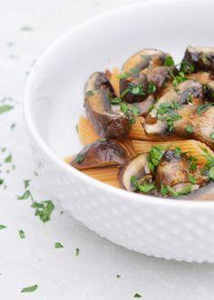 Honey Balsamic Mushrooms - Grey Stripes & Denim Balsamic Mushrooms, Low Carb Recipes, Healthy Recipes, Lentil Pasta, Clean Eating, Healthy Eating, Vinegar And Honey, Stuffed Mushrooms, Stuffed Peppers