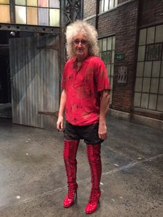 i am still alive at — rating astrophysicist brian may's outfits Queen Brian May, I Am A Queen, Save The Queen, Queen Queen, White Queen, Rock Queen, Queen Photos, Queen Pictures, Ben Hardy