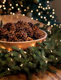 This would look great on the small coffee table. Balsam Hill - Big Pinecones Kit - Christmas Decorations and Ornaments for Your Artificial Christmas Tree Christmas Tree Picks, Merry Little Christmas, Cozy Christmas, Primitive Christmas, Country Christmas, Christmas Holidays, Green Christmas, Christmas Ornaments, Natural Christmas