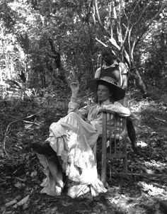 Not published in LIFE. Katharine Hepburn enjoys a moment away from the filming of The African Queen. Hollywood Photo, Old Hollywood Stars, Classic Hollywood, John Huston, Katharine Hepburn, Humphrey Bogart, Rare Photos, Best Actress, Actresses