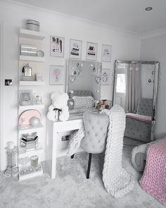 Home Decor Bedroom .Home Decor Bedroom Bedroom Decor For Teen Girls, Cute Bedroom Ideas, Girl Bedroom Designs, Room Ideas Bedroom, Teen Room Decor, Home Decor Bedroom, Interior Livingroom, Jugendschlafzimmer Designs, Makeup Room Decor