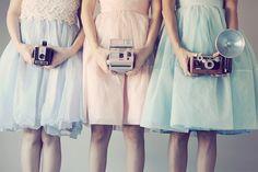 Vintage cameras and pretty pastel dresses. Vestidos Vintage, Vintage Stil, Look Vintage, Vintage Girls, Retro Girls, Retro Vintage, Retro Baby, Vintage Winter, Vintage Party