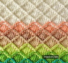 Wrong side just looks like shells- nice. MyPicot | Free crochet patterns