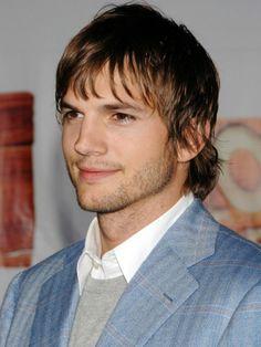 ParfumPlus magazine explores what perfume Christopher Ashton Kutcher Wears, an actor, model and producer.#AshtonKutcher
