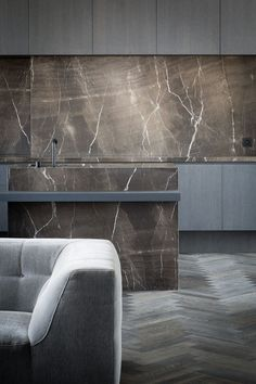 Kitchen in Moon Grey Stone by Arjaan De Feyter - Picture by Thomas De Bruyne
