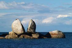 Split Apple Rock 'Kaiteriteri', New Zealand http://felsdekor.blogspot.co.nz/2012/10/inspiracje-najpiekniejsze-skay-swiata.html