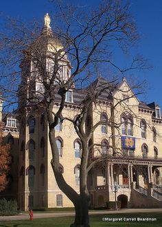 Main Administration Building, University of Notre Dame, South Bend, Indiana.  Photo: mcboardman, via Flickr