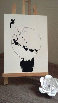 "Poster Illustration black and white bulb ""Peter pan and Tinker Bell"" Illustration Sketches, Art Drawings Sketches, Disney Drawings, Illustrations, Peter Pan Dibujo, Peter Pan Drawing, Disney Drawing Tutorial, Light Bulb Art, Doodle Art"