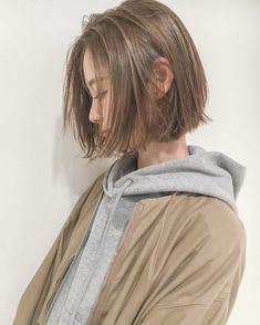 Pin by 亜弥 東 on グッドアイデア Korean Short Hair, Short Hair Cuts, Carre Haircut, Shot Hair Styles, Long Hair Styles, Pretty Hairstyles, Bob Hairstyles, Haircuts, Hair Inspo