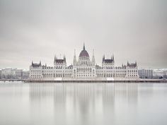chilly Budapest / Peter Zeglis
