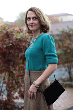 Margaret Dallospedale, Maggie Dallospedlae fashion diary, Fashion blog, Fashion blogger,  fashion tips, how to wear, Outfits, OOTD, Fall outfit, Full skirt and sweater, 7