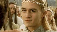 Legolas should be long because he the only man that can where a tiara like a boss😂😂😂😂 Orlando Bloom, Legolas And Aragorn, Arwen, O Hobbit, J. R. R. Tolkien, Most Beautiful Man, Middle Earth, Lord Of The Rings, Sherlock Quotes