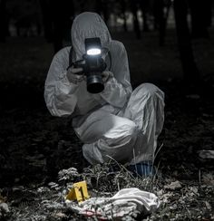19 Crime Scene Photographers Reveal The Worst Things They've Ever Had To Shoot – Chaostrophic Detective Aesthetic, Writing Inspiration, Character Inspiration, Perito Criminal, Forensic Photography, Forensic Science, Criminology, Forensics, Dark Paradise