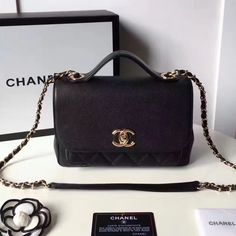 What are Gucci, Chanel, and Celine handbags cheaper than retail! Or use my breakdown of the designer purse dupes that are best to score the unchanging luxury look. Luxury Purses, Luxury Bags, Luxury Handbags, Cheap Handbags, Handbags On Sale, Purses And Handbags, Cheap Bags, Cute Purses, Big Purses