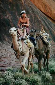 Tracks: a woman's journey across Australia on Camel back. John Curran : Issue Magazine