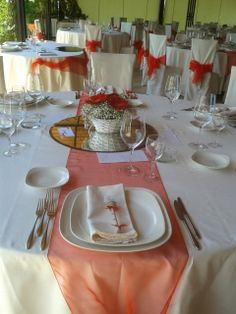 Wedding Arrangements: Red and White