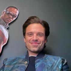 Marvel Actors, Marvel Funny, Marvel Memes, Marvel Characters, Marvel Avengers, Sebastian Stan, Mark Ruffalo, Bucky Barnes, Look Wallpaper