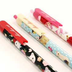 Plastic ball pen. 3 type cat illustrations ball pen with clip. Korean stationery.  http://morecozy.com/shop/plastic-ball-pens/