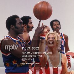 """I tell my players that our first priority is always the laughter"" – Red Klotz (1920 - 2014), founder of the Washington Generals, the Harlem Globetrotters' foils, in a #SportsIllustrated interview in 1995. Here are the Globetrotters in 1978 with Goldie Hawn.  #RedKlotz #HarlemGlobetrotters #GoldieHawn #basketball #mptvimages Sports Illustrated 