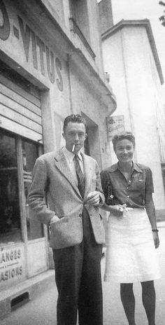 Albert Camus, Nobel Prize In Literature, Jean Paul Sartre, Beatitudes, Writers And Poets, Dream Team, Old Photos, Famous People, Philosophy