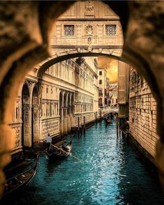 Best Tips to Making The Most Of Your Venice Italy Vacation Italy Vacation, Italy Travel, Places To Travel, Places To See, Reisen In Europa, Places In Italy, Jolie Photo, Travel Abroad, Pisa