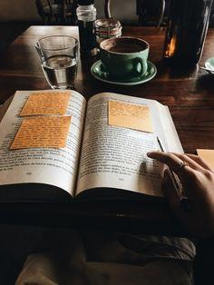 15 Amazing Books Girlbosses should read! These girlboss books are amazing and should be . Book Study, Study Notes, Study Space, Coffee And Books, Coffee Study, Study Hard, Studyblr, Book Aesthetic, Study Motivation