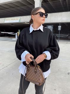 5 WAYS TO WEAR SPANX LEATHER LEGGINGS   THE RULE OF 5 Chic Outfits, Girl Outfits, Spanx Leather Leggings, Errands Outfit, Blazer With Jeans, Trendy Girl, Style Blog, Blogger Style, Fall Winter Outfits