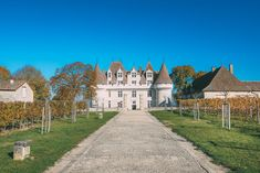 Our first vineyard visit after arriving in French wine country only spurred on the thirst for more wine.    With that, we headed over to Maison des Vins de Bergerac in, you guessed it – Bergerac, for