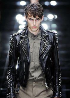 Burberry Prorsum at London Fashion Week Spring 2011 - Runway Photos Fashion Moda, Punk Fashion, Leather Fashion, Leather Men, Leather Jackets, Street Fashion, Looks Adidas, Punk Jackets, Casual Jackets