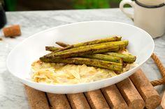Deliciosa pasta Alfredo con un toque especial de espárragos y vinagre balsámico…