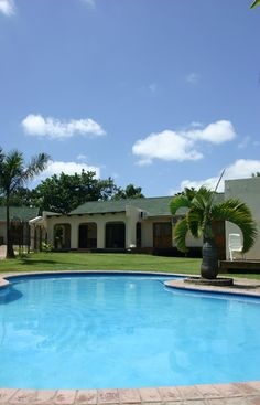 Homepage - Bakkers B and B - the nicest hideaway close to Kruger National Park. Kruger National Park, National Parks, Mansions, Nice, House Styles, Places, Outdoor Decor, Home Decor, Decoration Home