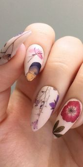10 Nail Stickers Designs Youll Want To Copy & Where To Buy Them Nail Decals, Nail Stickers, Nail Art Simple, Golden Nails, Solid Color Nails, Popular Nail Art, Geometric Nail Art, Nail Tape, Studded Nails
