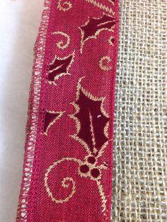Hessian and PinBurgundy Velvet/Holly Ribbon Trimmed Table