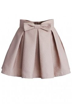 - Pleated silhouette - Bowknot on waist - Back zip closure - Lined - 35% Cotton, 65% Polyester - Machine washable Size(cm) Length Waist XS       39    66 S        39    70 M        39     74 L         39     78 Size(inch) Length Waist XS        15.5    26 S         15.5   27.5 M         15.5    29 L          15.5   30.5 * XS fits for US 0/2, UK 6, EU34 * S  fits for US 4, UK 8, EU36 * M  f...