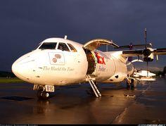 FedEx Feeder Avions de Transport Régional ATR-72-202 N810FX ready to take on cargo at Charleston-Yeager, June 2009. (Photo: Alexandre Saparov)